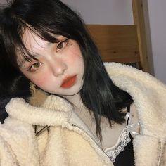 Korean Makeup Look, Asian Eye Makeup, Aesthetic Makeup, Aesthetic Girl, Pretty Makeup, Makeup Looks, Pretty People, Beautiful People, Chica Cool