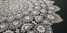 """45"""" Handmade Round Crocheted White Tablecloth, Vintage 80s Crochet Doilies, Hand Crochet, White Tablecloth, Shades Of White, Tablecloths, Cotton Thread, Beautiful Hands, Etsy Vintage, Overlays"""
