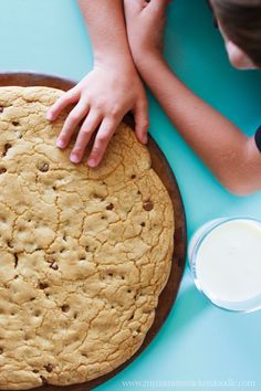 Giant Snickerdoodle Cookie Cake