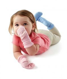 Toddlers socks with non-slip soles - perfect for toddlers! #nutmegcomp