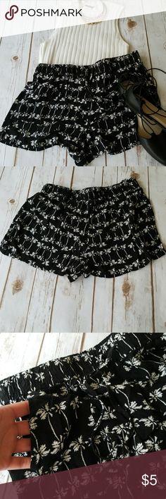 Large black and white palm tree print shorts . Shorts