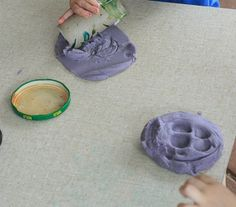 Homemade play dough without cream of tartar. Great recipe!