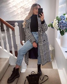 23 hottest women winter outfits ideas to copy in 2020 outfits para lucir tu ropa de invierno Trendy Fall Outfits, Winter Outfits Women, Casual Winter Outfits, Winter Fashion Outfits, Look Fashion, Stylish Outfits, Dresses In Winter, Korean Fashion, Casual Boots