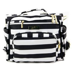 Holy gorgeous, Batman!! All the diaper bags on this site are to die for!!
