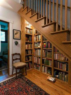 Stunning Home Library Ideas for Your Home. The love of reading is great, home library are awesome. However, the scattered books make the feeling less comfortable and the house a mess. House Design, Cozy Home Library, Bookshelves Built In, House Interior, House, Small Spaces, Home, Cozy House, Home Decor