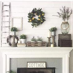 14 Glorious Rustic Mantel Decor Ideas You'll Fall Head Over Heels in Love With! Add a farmhouse-like appeal to your mantel or the fireplace oh so effortlessly, getting inspired by these rustic mantel decor ideas. Decor, Farmhouse Decor, Fireplace Mantle Decor, Rustic House, Farmhouse Mantel, Spring Decor, Rustic Fireplaces, Farm House Living Room, Farmhouse Fireplace Mantels