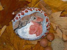 Pettirosso - Robin  Dipinto acrilico su sasso - rock painting, dimensioni indicative: sasso leggermente ovale e bombato, diametro cm 12, spessore cm 3,5, peso 492 grammi - dipinto originale, pezzo unico e firmato - disponibile, for sale!  #robin #birds #rockpainting #pettirosso