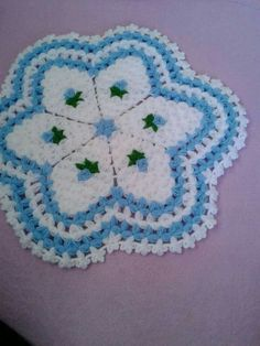 This Pin was discovered by mel Crochet Squares, Crochet Doilies, Crochet Yarn, Fun Crafts, Diy And Crafts, Old Sweater, Sweaters, Crochet Kitchen, Washing Clothes