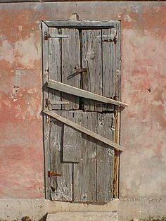 """artpropelled: """" Are doors mystical symbols? """""""