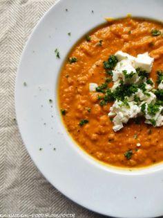 Kulinarikus: Wärmstens zu empfehlen: feine Möhrensuppe mit roten Linsen und Paprika