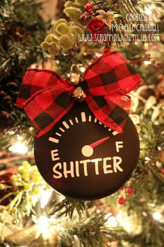 Scrappin with my bug: Sh*tters Full ! Diy Christmas Ornaments, Christmas Projects, Holiday Crafts, Holiday Fun, Christmas Bulbs, Christmas Decorations, Christmas Vacation, Family Christmas, All Things Christmas