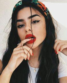 Trending makeup look Pretty Girl beautiful gilr