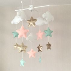 Baby mobile - Baby girl mobile - Cot mobile - Star mobile - Cloud Mobile - Nursery Decor - Clouds and stars - Gold, mint green and coral Baby Bedroom, Baby Room Decor, Kids Bedroom, Nursery Decor, Nursery Ideas, Baby Mädchen Mobile, Cot Mobile, Girl Nursery, Girl Room