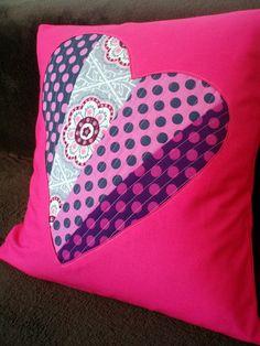 Fotopostup-valentínsky vankúšik s patchworkovým srdcom