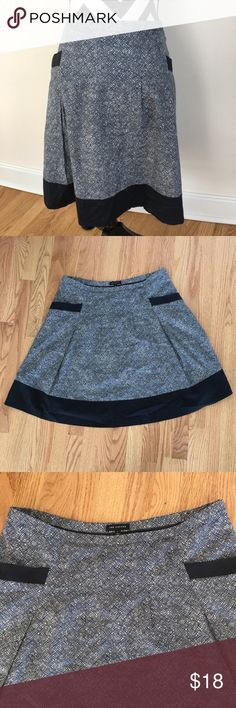 The Limited Navy & White Patterned Skirt Navy & white. Side zipper. Fully lined. Size L. Great condition. The Limited Skirts