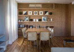 Conforto e vista para o verde. Veja: http://www.casadevalentina.com.br/projetos/detalhes/conforto-e-vista-para-o-verde-666 #decor #decoracao #interior #design #casa #home #house #idea #ideia #detalhes #details #style #estilo #casadevalentina #diningroom #saladejantar