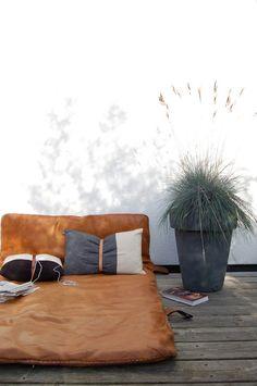 ATELIER RUE VERTE , le blog: For my home #27 / Idées déco avec des tapis de gym en cuir vintage /