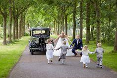 Bruidsfotografie in #Natuurpark #Lelystad #Flevoland #bruidskinderen #bruidsmeisje #bruidsjonker #trouwauto #bruid #trouwfotograaf #trouwfotografie #bruidsfotografie #bruidsfotograaf #Dronten #Flevoland #Overijssel #Kampen #Zwolle #Trouwfotograaf4you