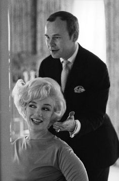 Kenneth Battelle also worked for Marilyn Monroe, with whom he is shown in Hollywood in 1961.