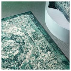 VONSBÄK Rug, low pile, green, Length: 9 ' The oriental-vintage expression has the charm of looking worn and adds a special character to the room. The pile is very low and works just as well by the sofa as under the dining table. Living Room Green, Rugs In Living Room, Bedroom Rugs, Bedrooms, Emerald Green Rug, Lohals, Ikea Rug, Ikea Ikea, Wet Spot