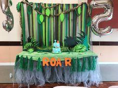 Dinosaur Party Cake table.