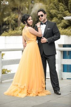 Wedding indian photography saris 68 ideas – Famous Last Words Indian Wedding Pictures, Indian Wedding Poses, Indian Bridal Photos, Indian Wedding Couple Photography, Pre Wedding Poses, Indian Photography, Indian Wedding Receptions, Photography Ideas, Indian Pictures