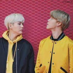 Where are you looking Yoongi🙊? Seokjin, Kim Namjoon, Kim Taehyung, Bts Bangtan Boy, Bts Jimin, Taekook, Jung Hoseok, Chanyeol, Worldwide Handsome