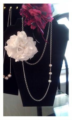 White tshirt flower with pearls
