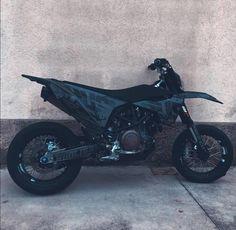 Ktm Dirt Bikes, Cool Dirt Bikes, Dirt Bike Gear, Dirt Bike Racing, Motorcycle Touring, Girl Motorcycle, Dirt Biking, Motorcycle Quotes, Auto Racing
