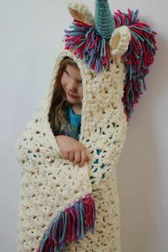 Unicorn hooded blanket