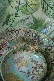 The Skillful Bee: Ceramic Bowl w Nature Impressions Using objects from nature to imprint ceramic surfaces.