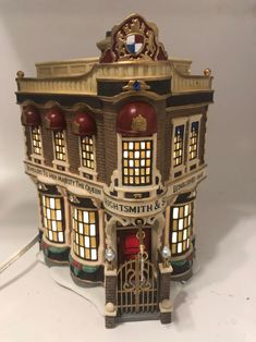 Department 56 Dickens Village Anniversary Edition House with light, plague and box. The piece is in an excellent condition, no flows, light works, the box shows wear. Dept 56 Dickens Village, Christmas Village Houses, Light Works, Department 56, Holiday Lights, Anniversary, Box, Miniatures, Antique