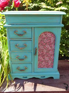Hey, I found this really awesome Etsy listing at https://www.etsy.com/listing/236322008/turquoise-jewellery-box-shabby-chic