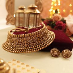 Catch us at NSCI Dome, Worli from - August. Indian Jewelry Sets, Indian Wedding Jewelry, Bridal Jewellery, Gold Earrings Designs, Gold Jewellery Design, Hereford, Gold Jewelry Simple, Silver Jewelry, Jewelry Art