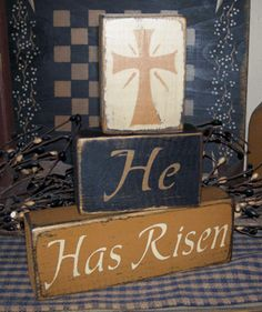 HE HAS RISEN PRIMITIVE EASTER BLOCK SIGN SIGNS