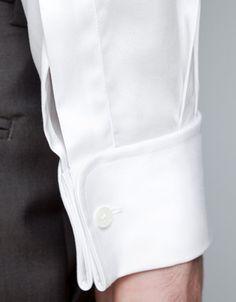 CHEMISE TWILL AVEC BOUTONS DE MANCHETTE African Wear Styles For Men, Bespoke Shirts, Mens Kurta Designs, Wedding Dress Men, Collar Designs, Clothing Photography, Designer Clothes For Men, Mens Fashion Suits, Shirt Style