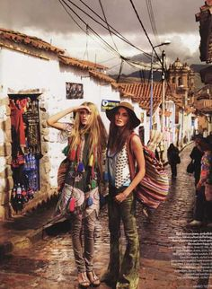 Supermodels Lily Donaldson and Daria Werwoby for Vogue Magazine by our beloved photographer, Mario Testino in Cuzco city. Peru is around the world!
