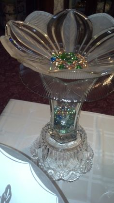 Birdbath, made from vintage estate/yard sale finds. Not sure I'd put this outside, maybe an indoor accent? Garden Totems, Glass Garden Art, Glass Art, Mosaic Garden, Glass Plate Flowers, Flower Plates, Art Flowers, Garden Crafts, Garden Projects