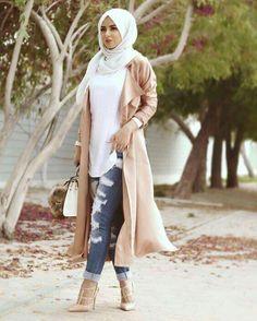 Modest street hijab fashion www.justtrendygir… Modest street hijab fashion www. Muslim Women Fashion, Arab Fashion, Islamic Fashion, Dubai Fashion, Modest Fashion, Mode Outfits, Fashion Outfits, Fashion Ideas, School Outfits