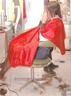 réflexion sous le peignoir Hair And Beauty Salon, Beauty Salons, Forced Haircut, Hair Falling Out, Hair Color For Women, Super Long Hair, Salon Style, Strawberry Blonde, Fall Hair