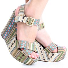 Womens Wedges: A New Trend That Make Your Feet Look And Feel Great