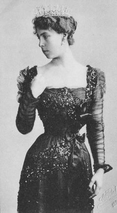 1898 Victoria Melita From carolathhabsburg.tumblr.com:tagged:Royalty:page:17 detint