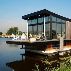 dutch houseboat-- is it weird that i wanna live in a houseboat? Dream Jar, Floating Architecture, Houseboat Living, Two Storey House, Water House, Floating House, Small Buildings, Tiny House Movement, Rustic Design