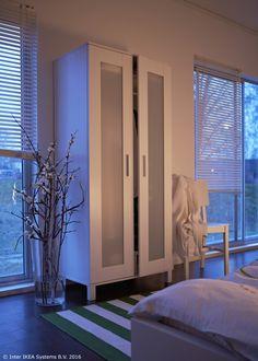 Jednostavan, a opet zanimljiv, ANEBODA ormar ujedno je dobar i za okoliš – barem 50 % proizvoda napravljeno je od obnovljivih materijala. www.IKEA.hr/ANEBODA_ormar