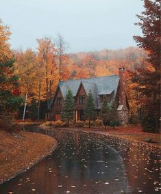 Happy first day of fall! Can't wait to live the New England cabin life again this year. Beautiful Homes, Beautiful Places, Autumn Cozy, Autumn Fall, Autumn Scenery, Autumn Aesthetic, Fall Pictures, Best Seasons, Autumn Inspiration