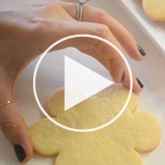 Sugar Cookies + Royal Icing Tutorial | Cupcakes & Cashmere