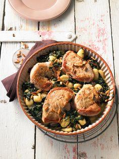 Putensteaks aus dem Ofen mit Spinat - Gorgonzola - Sauce und Pinienkernen, ein tolles Rezept aus der Kategorie Geflügel. Bewertungen: 113. Durchschnitt: Ø 4,6.