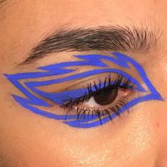 24 Trendy Eye Makeup Blue Inspiration - Prom Makeup For Brown Eyes Eye Makeup Blue, Eye Makeup Steps, Eye Makeup Art, Makeup For Brown Eyes, Smokey Eye Makeup, Makeup Inspo, Eyeshadow Makeup, Makeup Inspiration, Crazy Eye Makeup