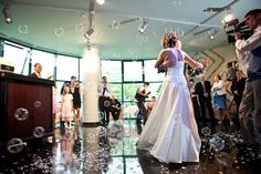 Ce poate fi mai frumos decat un dans al mirilor intr-un cadru cu totul special?:)