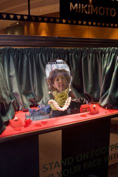 Mikimoto Window Display for Valentines Day by #propstudios #mirror #visualmerchandising Bespoke Window Displays, Mikimoto Booth